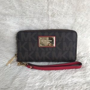 NWT MICHAEL KORS Signature Wallet